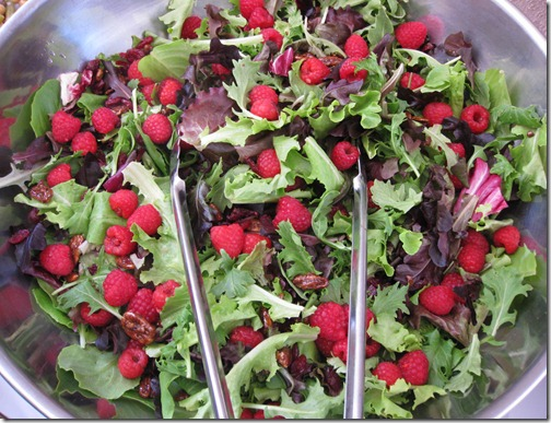 Raspberry Pecan Mixed Greens