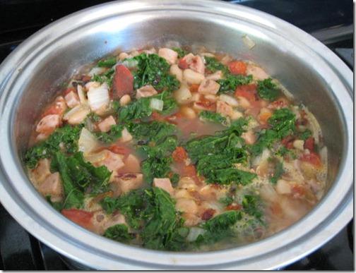 Sweet & Savory Sausage, Kale & White Bean Soup