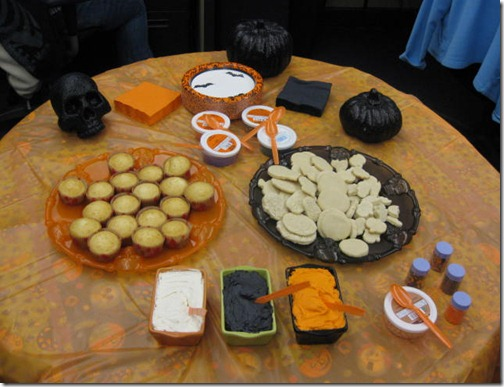 Halloween Cupcakes & Cookies