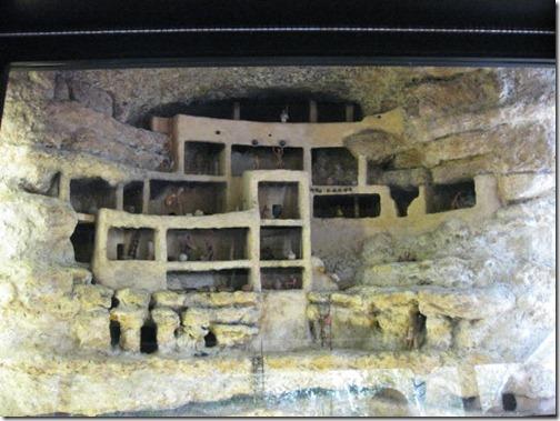 Life in Montezuma's Castle