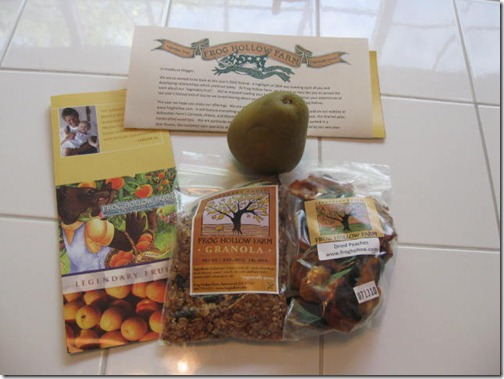 Frog Hollow Farms Granola & Fruit